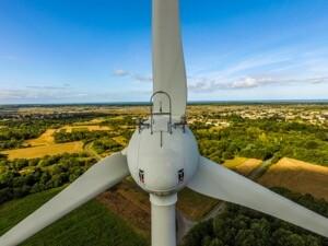 Contrôle des parcs éoliens par drone